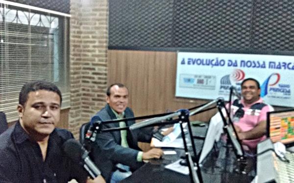Vereador Carlinhos do Rosado (PMDB) concede entrevista ao 'Panorama do Vale'.